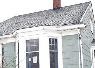 Foreclosed Home in Buffalo 14217 WASHINGTON AVE - Property ID: 4518934395