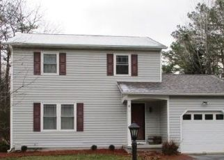 Foreclosed Home in Queensbury 12804 HERESFORD LN - Property ID: 4518939656