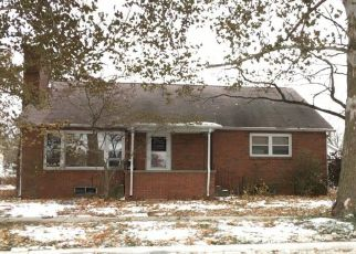 Foreclosed Home in Farmer City 61842 N JOHN ST - Property ID: 4519534417