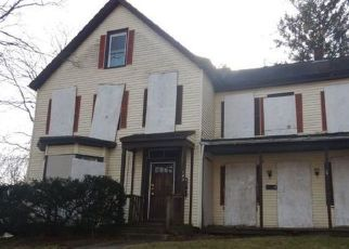 Foreclosed Home in Norwich 06360 HICKORY ST - Property ID: 4519571649