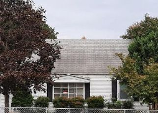 Foreclosed Home in Dundalk 21222 CORNWALL RD - Property ID: 4519628585