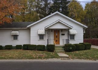 Foreclosed Home in New Castle 47362 SPRING ST - Property ID: 4519716622