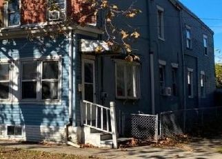 Foreclosed Home in Gloucester City 08030 ESSEX ST - Property ID: 4520030193