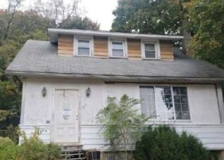 Foreclosed Home in Highland Falls 10928 HILLSIDE AVE - Property ID: 4520034587