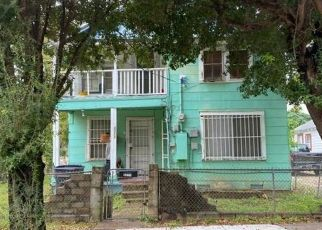 Foreclosed Home in Dallas 75212 BORGER ST - Property ID: 4520057808