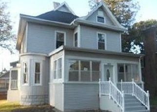 Foreclosed Home in Rochelle 61068 LINCOLN AVE - Property ID: 4520099855
