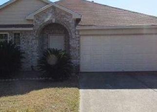 Foreclosed Home in Houston 77038 FALLEN OAK RD - Property ID: 4520178235
