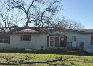 Foreclosed Home in Pleasanton 78064 EAST TRL - Property ID: 4520180878