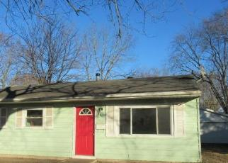 Foreclosed Home in Urbana 61802 S SCOTTSWOOD DR - Property ID: 4520242626