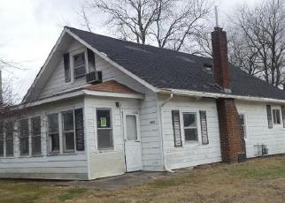 Foreclosed Home in Springfield 62707 DONNA ST - Property ID: 4520393280