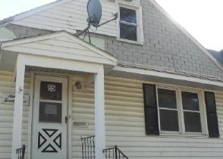Foreclosed Home in Davenport 52804 N STURDEVANT ST - Property ID: 4520410362