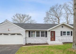 Foreclosed Home in Brick 08724 ROBINHOOD RD - Property ID: 4520431385