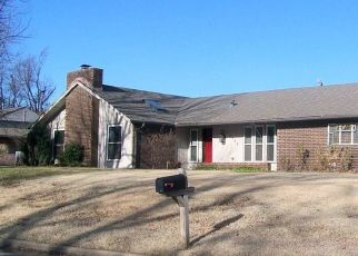 Foreclosed Home in Enid 73703 EDGEWOOD DR - Property ID: 4520536500