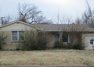 Foreclosed Home in Lawton 73505 NW CHEYENNE AVE - Property ID: 4520545253