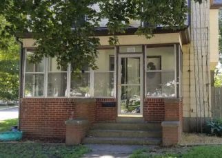 Foreclosed Home in Clinton 61727 E MAIN ST - Property ID: 4520792726