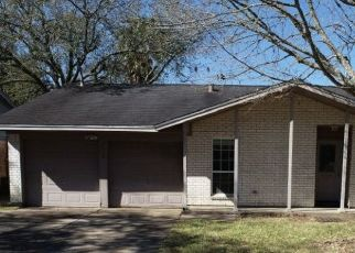 Foreclosed Home in Seabrook 77586 N HERON DR - Property ID: 4521021338