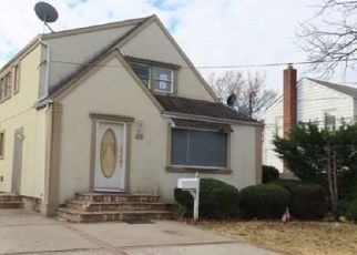 Foreclosed Home in Hempstead 11550 OAKMONT AVE - Property ID: 4521575375