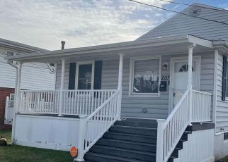 Foreclosed Home in Dundalk 21222 BAYSIDE DR - Property ID: 4521614803