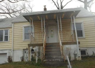 Foreclosed Home in Suitland 20746 MAPLE RD - Property ID: 4521649391