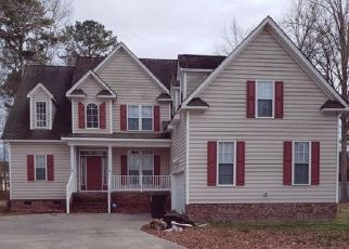 Foreclosed Home in Elizabeth City 27909 FAIRWAY TER - Property ID: 4521748369