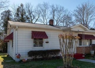 Foreclosed Home in Hendersonville 28739 1ST AVE W - Property ID: 4521802243