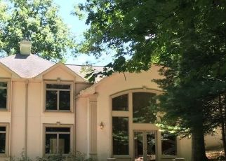 Foreclosed Home in Suffern 10901 SKY MEADOW RD - Property ID: 4521813187