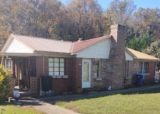 Foreclosed Home in Hickory 28602 22ND ST SW - Property ID: 4521895539