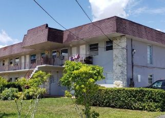 Foreclosed Home in Miami 33165 SW 40TH TER - Property ID: 4521900797