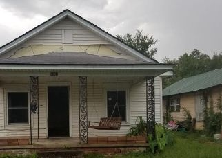 Foreclosed Home in Okmulgee 74447 N COLLINS AVE - Property ID: 4521949406