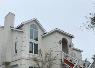 Foreclosed Home in Emerald Isle 28594 SPINNAKER PL - Property ID: 4522129860