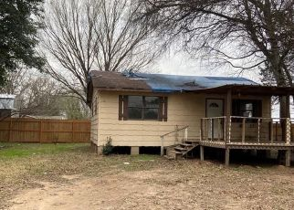 Foreclosed Home in Madisonville 77864 PINE ST TRLR B - Property ID: 4522252934