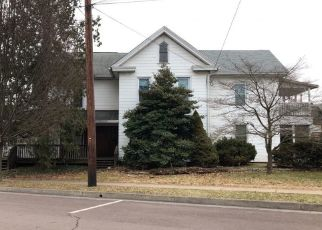 Foreclosed Home in Bloomsburg 17815 E 3RD ST - Property ID: 4522273510