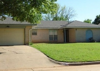 Foreclosed Home in Mustang 73064 W DORCHESTER WAY - Property ID: 4522291918