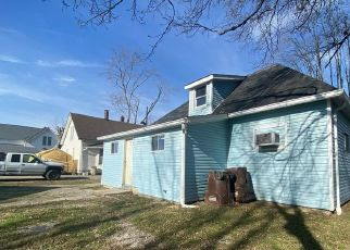 Foreclosed Home in Sunman 47041 WESTERN AVE - Property ID: 4522312485