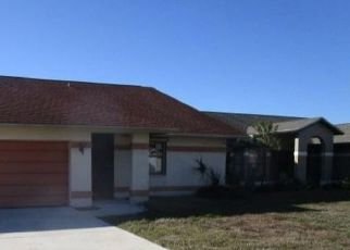 Foreclosed Home in Naples 34116 MONARCH CIR - Property ID: 4522325179