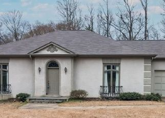 Foreclosed Home in Charlotte 28226 LYNN AVE - Property ID: 4522408850