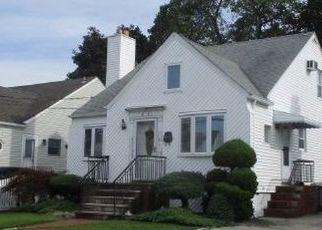 Foreclosed Home in Lynbrook 11563 GARDEN DR - Property ID: 4522504317