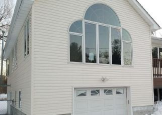 Foreclosed Home in Newburgh 12550 BUCKINGHAM DR - Property ID: 4522511327