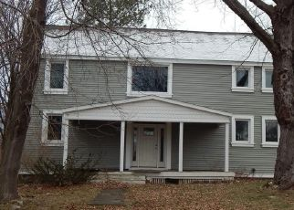 Foreclosed Home in Farmington 14425 WEIGERT RD - Property ID: 4522512196