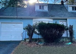 Foreclosed Home in Danbury 06810 VIRGINIA AVE - Property ID: 4522659813