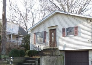 Foreclosed Home in East Haven 06512 GREEN ST - Property ID: 4522667688