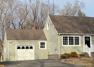 Foreclosed Home in Milford 06461 BURNT PLAINS RD - Property ID: 4522669437