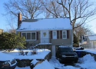 Foreclosed Home in Norwalk 06854 CHATHAM DR - Property ID: 4522683448