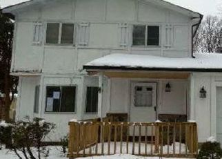 Foreclosed Home in Shirley 11967 MORICHES MIDDLE ISLAND RD - Property ID: 4522691333