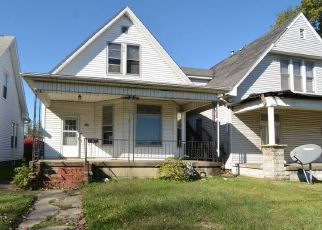 Foreclosed Home in Evansville 47710 BAKER AVE - Property ID: 4522787245