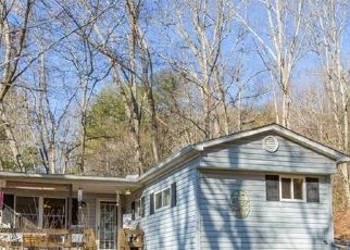 Foreclosed Home in Clyde 28721 BOBS LN - Property ID: 4522853381
