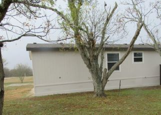 Foreclosed Home in Stockdale 78160 COUNTY ROAD 427 - Property ID: 4522964635