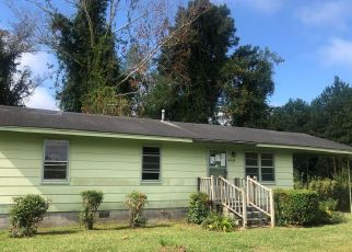 Foreclosed Home in Rose Hill 28458 BLOUNT LN - Property ID: 4522982141