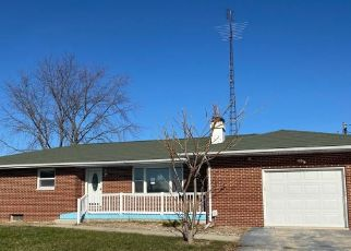 Foreclosed Home in Teutopolis 62467 E 1800TH AVE - Property ID: 4523001865