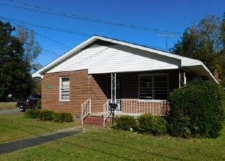 Foreclosed Home in Kinston 28501 E CASWELL ST - Property ID: 4523005357
